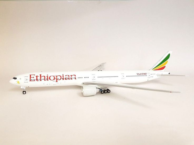INFLIGHT200 Boeing 777-300ER Ethiopian ET-APX Ref: IF77730617 (with stand) #InFlight200