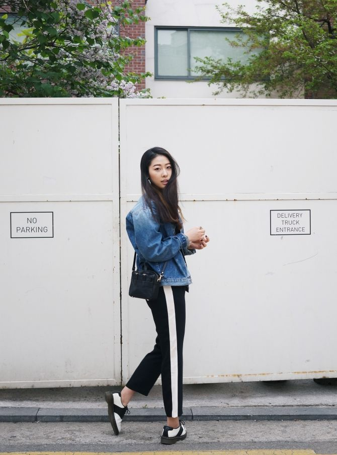 ANDERSONBELL denim jacket LEFTXXX pants Haerfest mini bag - Korean fashion blogger YUNIQUE ...