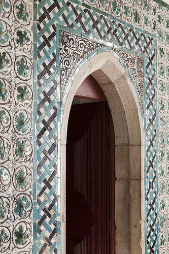 Palácio Nacional de Sintra - 15 | Moorish doorway in the Mermaid Room