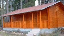 Dokončená stavba dřevěné chaty