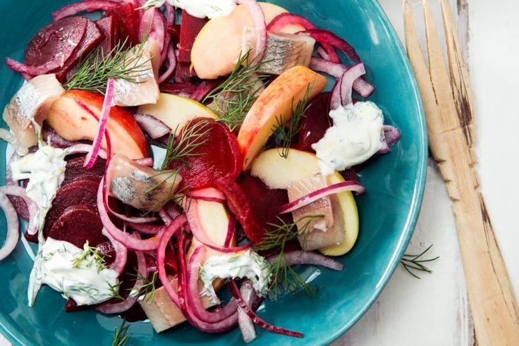 Kijk wat een lekker recept ik heb gevonden op Allerhande! Haring-bietensalade