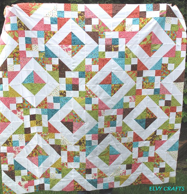 Quilting Patterns Charm Packs : 1000+ images about Quilts from Charm packs on Pinterest Charm pack quilts, Charm pack and Quilt
