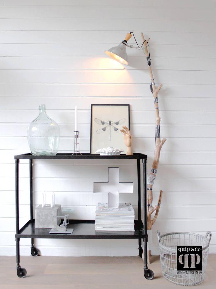 Industriële trolley twee met ruime planken en wieltjes. Een stoer en robuust meubel en toch transparant en licht ogend. - quip&Co | industrieel design -