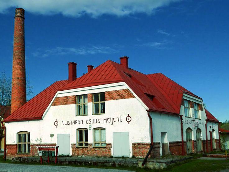 Ylistaron vanha Osuus-Meijeri / Meijerimajoitus. - Former dairy, Ylistaro, Finland.