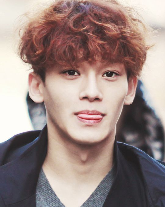 Kim Jongdae & his poodle tongue