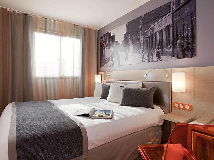 MERCURE PARIS 15 P VERSAILLES: The 4-star Mercure Paris 15 Porte de Versailles hotel in the 15th arrondissement is ideally located for…