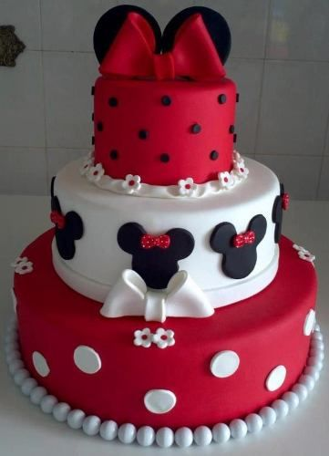 Bolo Falso Fake Cenográfico Minnie. Hire character for for Minnie Muse theme birthday party www.coolpartycharacters.com