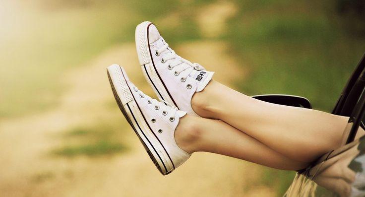 met blote voeten in je gymschoenen zonder zweetvoeten