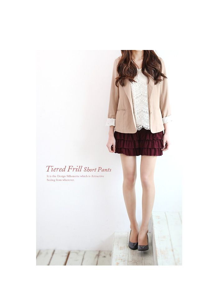 cute frill short pants this makes your leg much tinnier!