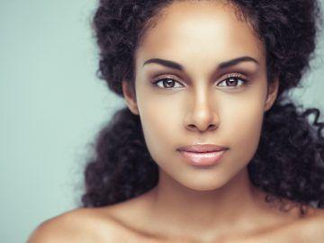 Notez cette astuce La beauté de la peau tient à beaucoup de choses: la génétique, les hormones, l'environnement (pollution, tabac, soleil…), les soins… Et même s'il est un peu exagéré de penser que l'alimentation peut régler le problème, elle joue elle aussi un rôle important dans la beauté de la peau. Bien nourrie avec les...