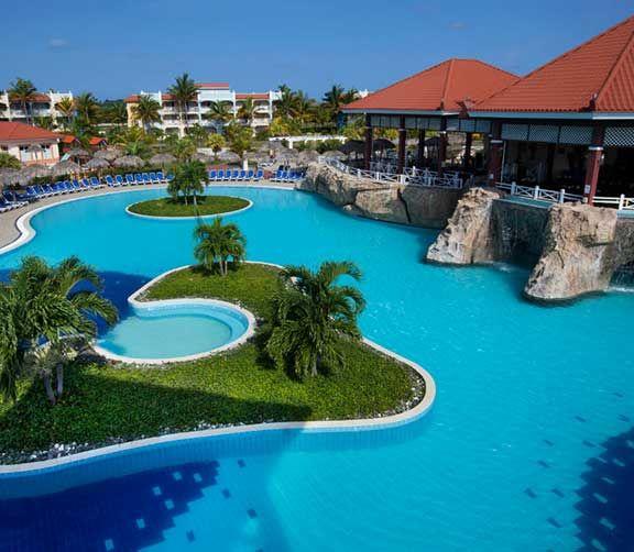 Memories à Varadero   Parcs aquatiques, cours de cirque et plus encore. Jeunes et adultes trouveront tout ce qu'ils désirent dans ces hôtels familiaux des Caraïbes.