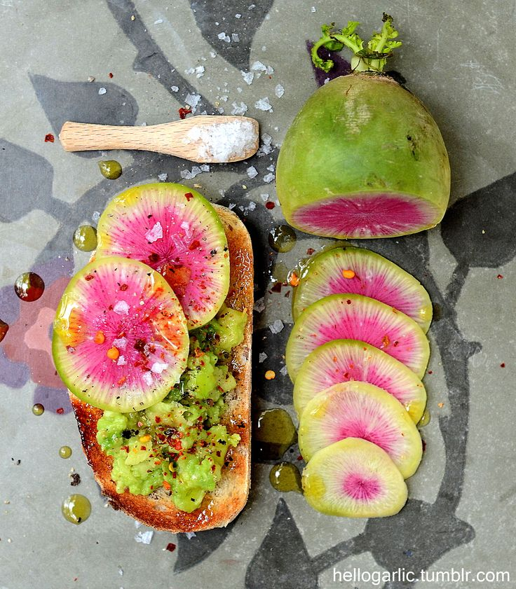 hello guacamole toast with lovely pink radish! photography and food styling by Panka Milutinovits / hello garlic!