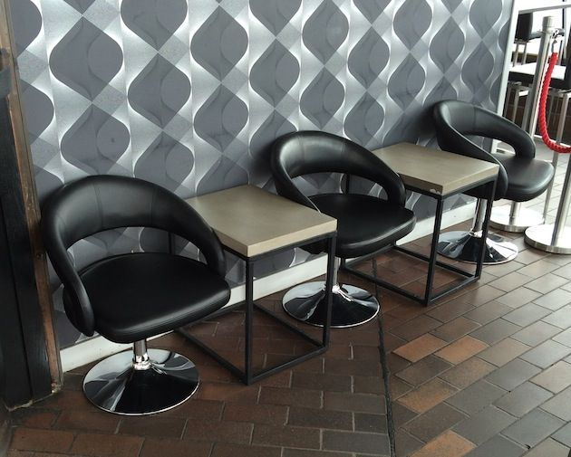 Kaknästornets Café och Skybar, med Stockholms bästa utsikt! Här har förnyats med möbler från oss på Chairs+more / barstolar.nu , bla med Cosmos barstol, Toronto barbord och Circle snurrfåtöljer.