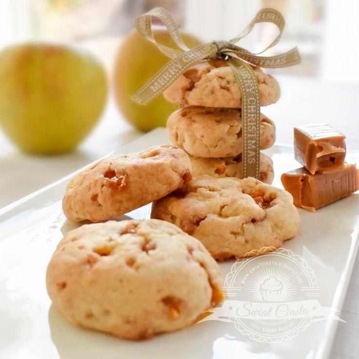 Ciasteczka z jabłkami i krówkami | Świat Ciasta