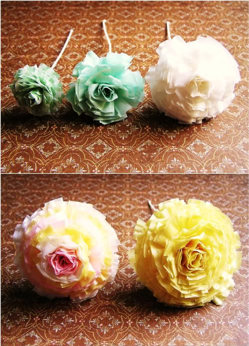 cupcake liner carnations {from iamthebee.blogspot.com} As soon as the stores open I'm getting pink and yellow liners!!!