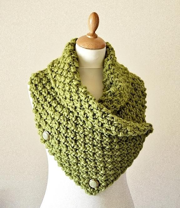 Easy Chunky Knit Neck Warmer/Cowl pattern on Craftsy.com on Pinterest Disco...