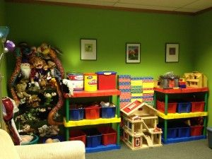 PlayDrMom's new playroom- Play therapy room but lots of ideas for a toy room if you are so blessed.