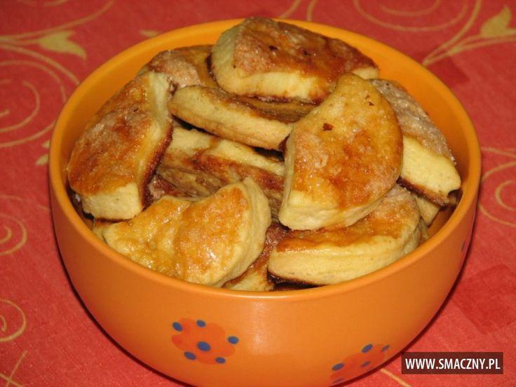 Jeśli macie ochotę pochrupać coś słodkiego dzisiaj to ja polecam #ciasteczka z cukrem... pyszne są:  http://www.smaczny.pl/przepis,ciastka_z_cukrem  Kto się poczęstuje??  #przepisy #ciastka #cukier #ciastkazcukrem