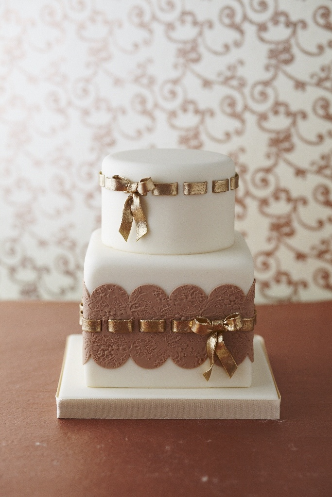 #CakeDecorating #GoldRibbon #Cake Pretty and perfect! #Issue41