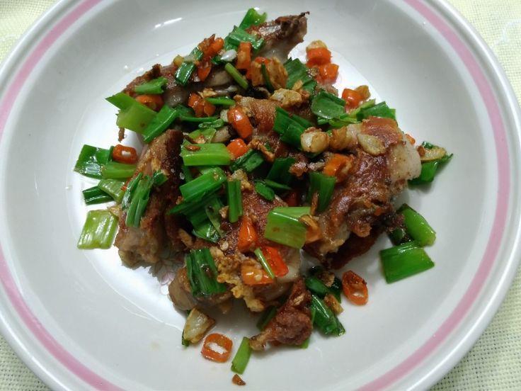 Chilli crispy chicken with scallions