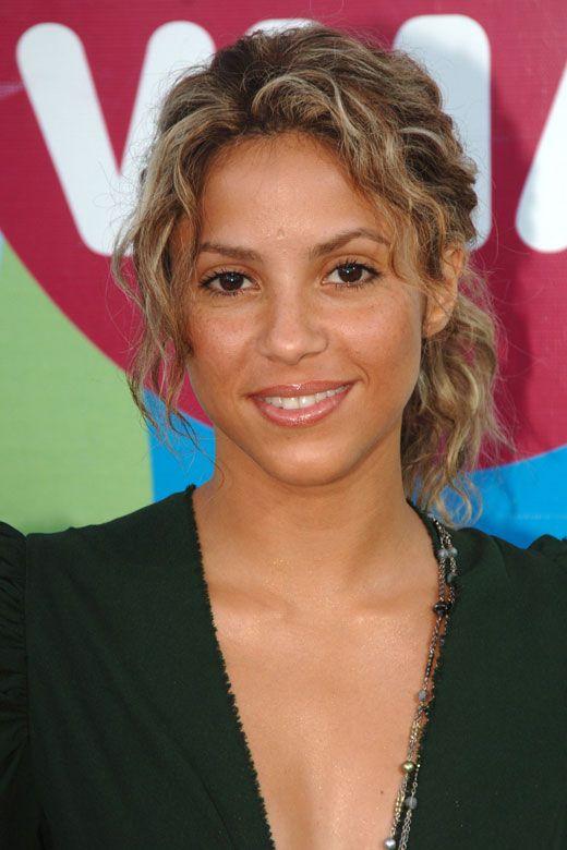 Shakira,  Go To www.likegossip.com to get more Gossip News!