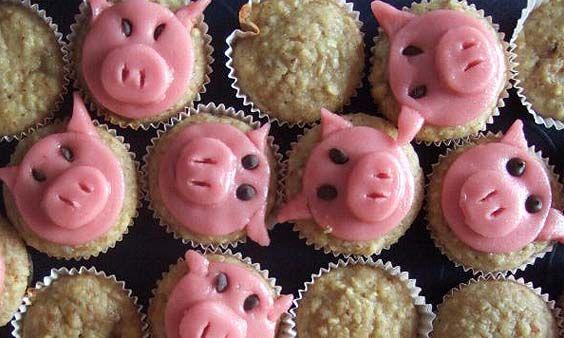 Rezept für bunte Muffins für die Silvesterparty.