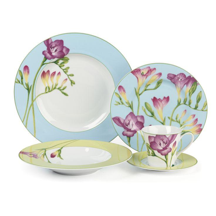 Cuisinart Tille 16 Piece Blue Floral Dinnerware Set