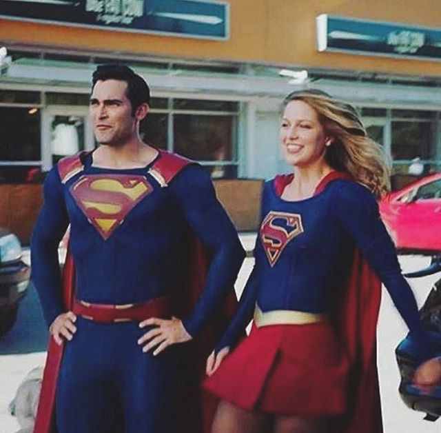 Clark is looking serious in this picture... and then there's Kara I love Melissa✨ #Supergirl #superman #melissabenoist #tylerhoechlin #karadanvers #karazorel #clarkkent #kalel #thecw #cw