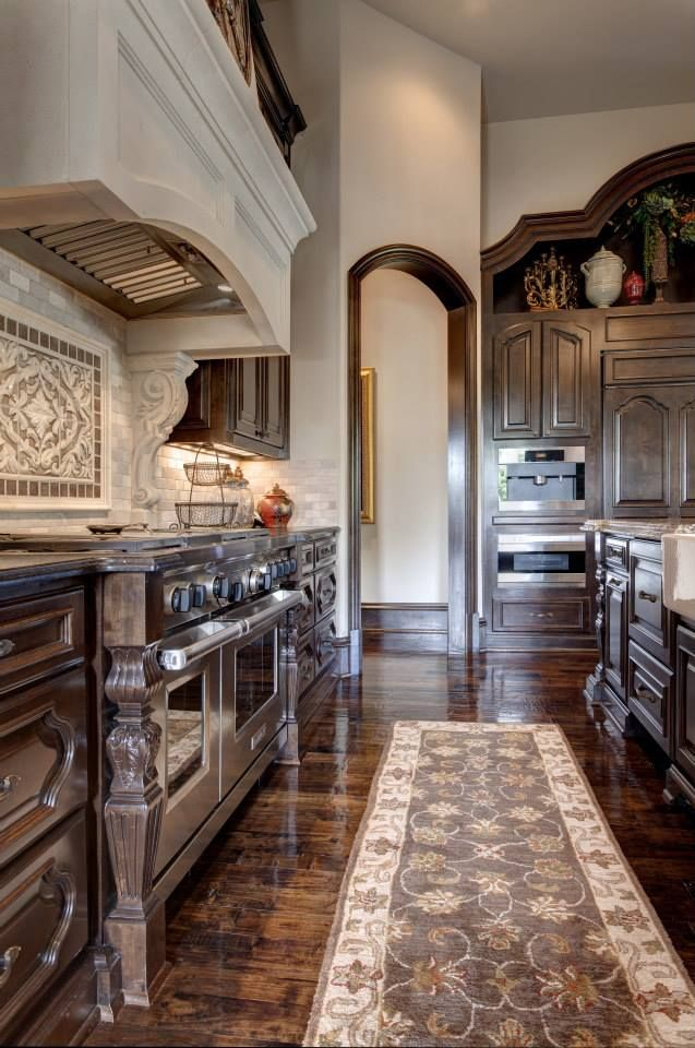 tuscan kitchen by Simmons Estate Homes