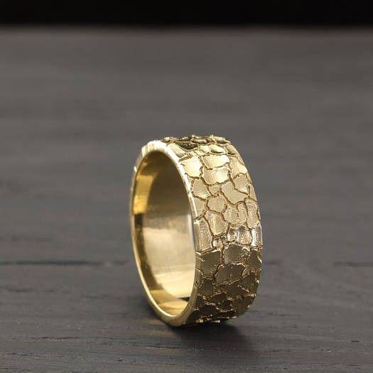 Best 25 Gold wedding bands ideas on Pinterest  Wedding band 3 wedding bands and Wedding ring