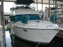 Carver AFT CABIN 39  www.gig-harbor-yacht-detailing.com