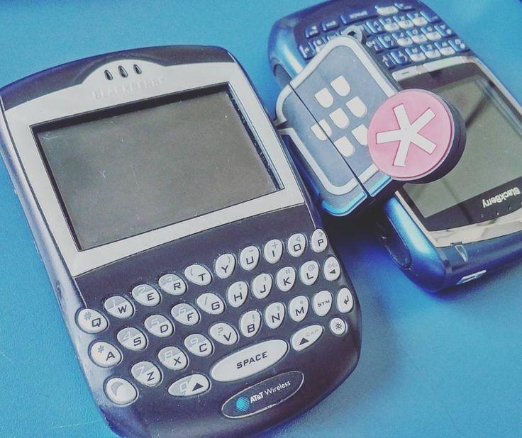 #inst10 #ReGram @malluquinho: #BlackBerry #8700 #7290 #rim #research #old #goodtimes #BlackBerryClubs #BlackBerryPhotos #BBer #BlackBerry #OldBlackBerry #QWERTY #Keyboard