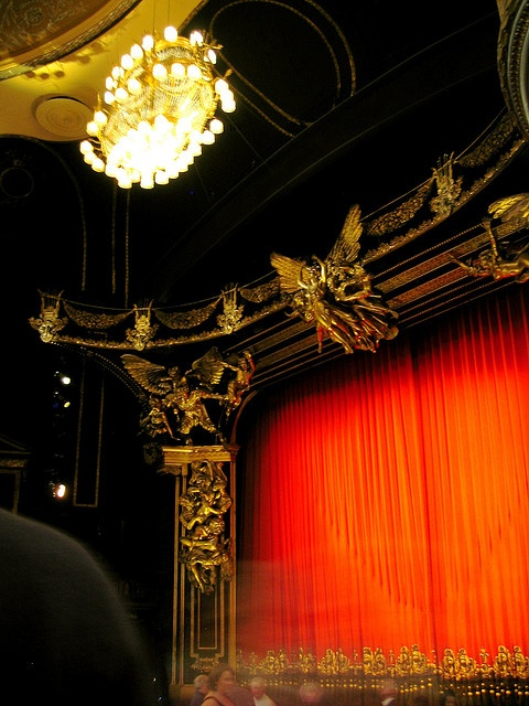 Magestic Theatre--  Phantom of The Opera    Epic
