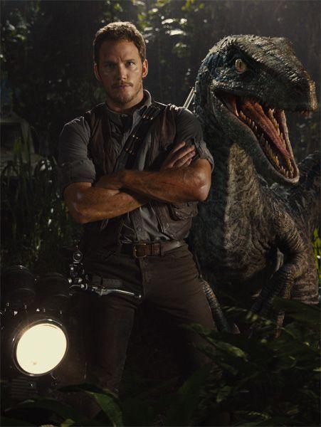 Chris Patt with a Velociraptor! #Jurassic world