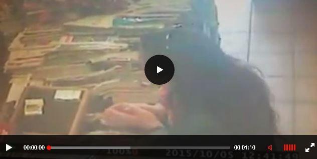 """Molti i commenti di ringraziamento i quali anche """"vittime"""" ne danno una descrizione della persona in questione, scrivendo che si tratta di una donna sui sessanta anni alta più o meno 1.60 cm sui 65 kg con caschetto lungo e capelli brizzolati."""