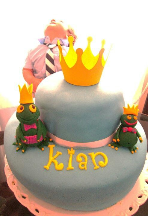 Prince cake for my darling niece. Made by: Sepideh Hatami #frog #prince #sugarpaste