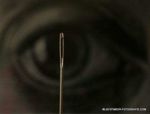 #synchroonkijken#ogen#dag5. Titel van deze foto. Door het oog van de naald, kijkend kijken en zien