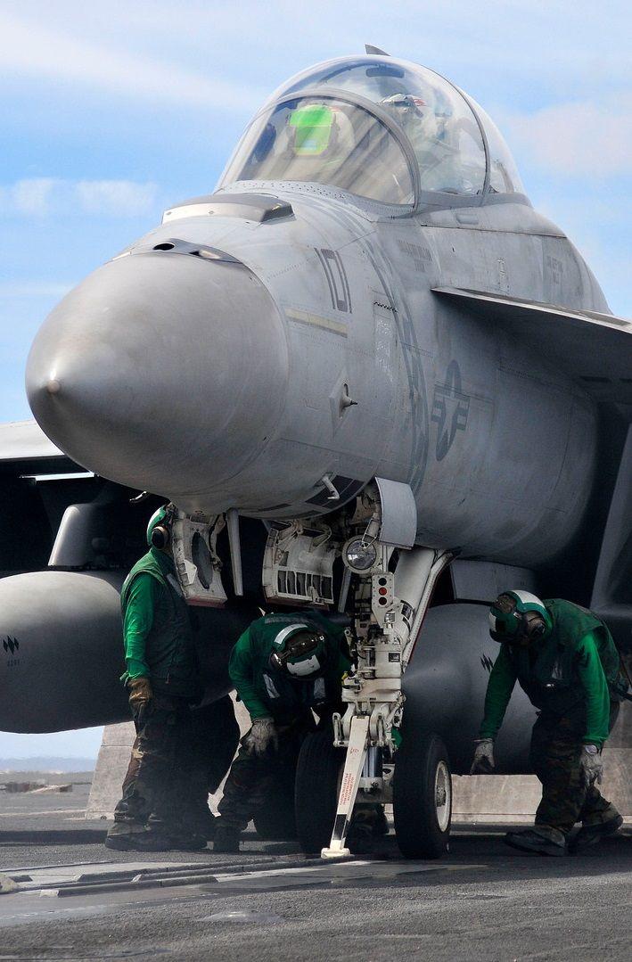 The US Navy F/A 18 Super Hornet. Carrier/Fleet Defense/Air Interdiction/Suppression/Reconnaissance/Fighter/Attack
