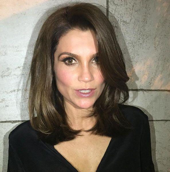 """Após o término de """"Etâ Mundo Bom"""", Flávia Alessandra deu adeusa aos cabelos…"""