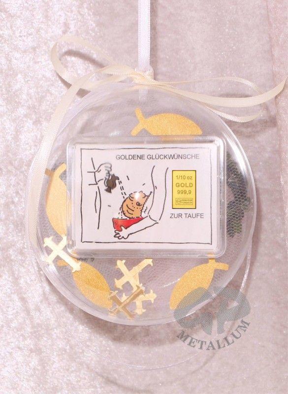 3,1g Goldbarren zu Taufe mit Zertifikat Acrylglaskugel dekoriert in Handarbeit Durchmesser 12 cm mit einem Satinband zum Aufhängen, in der Länge änderbar, mit einem Fisch aus künstlichem Buchsbaum und Streudeko: Kreuze & Fische für den Innenbereich kombiniert http://www.gp-metallum.de/1-10-Unze-Gold-Geschenkbarren-Motiv-Zur-Taufe-in-dekorierter-Acrylglaskugel