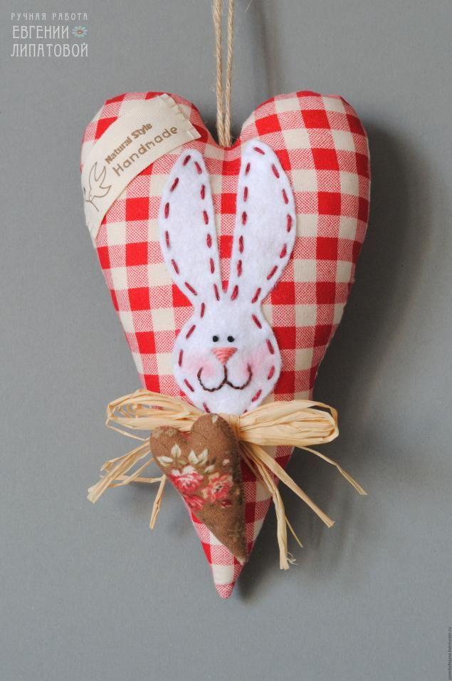 Пасхальное тильда-сердечко. Комментарии : LiveInternet - Российский Сервис Онлайн-Дневников: Stuffed Heart, Easter Stuffed, Bunnies Heart, Pascua Tilde, Húsvét, Tild Heart, Easter Tild, Tilda,  Poke Bonnets