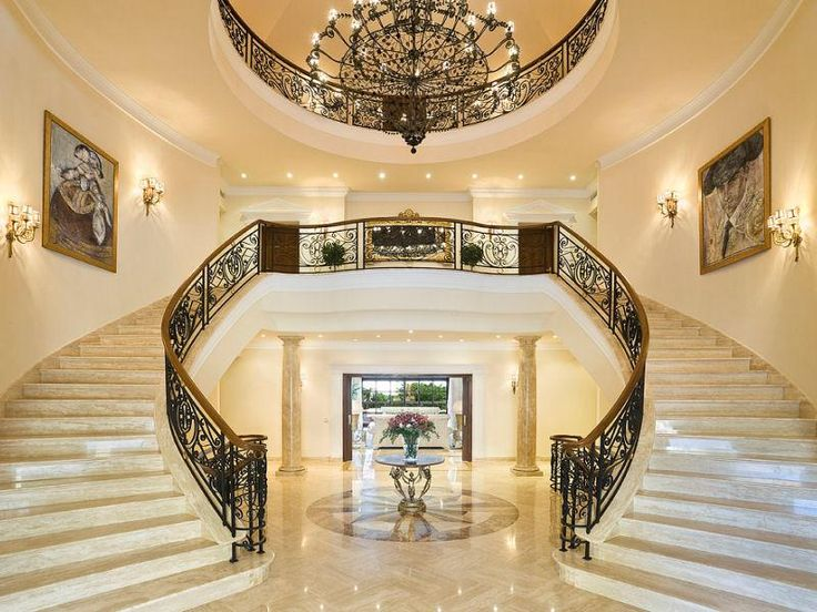 Magnificent new roman style palatial villa in spain for Luxury staircase