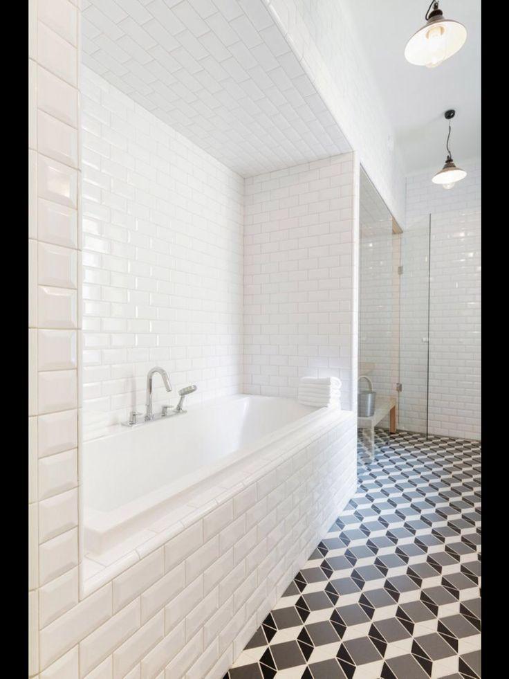 28 Cool Geometric Pattern Bathrooms Decorations 28