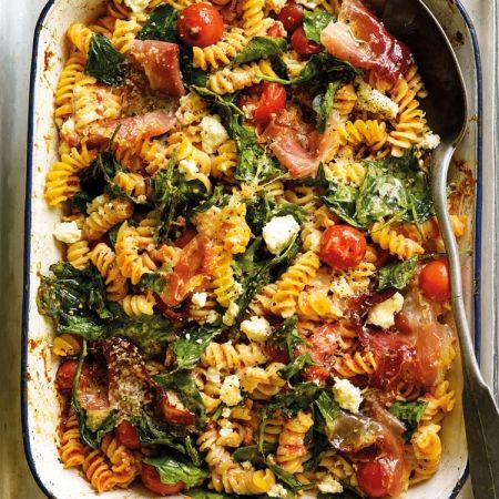 Tomato, Ricotta and Spinach Pasta Bake | Easy Midweek Dinner Recipes - Red Online