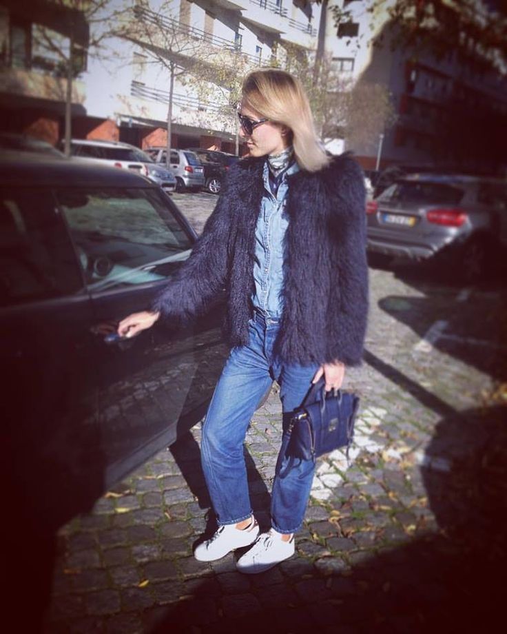 #denim and #fauxfur 💙💙💙 #winter #sunnyday #ootd #look #fashion #style #stylingepiphany #lisboa #portugal
