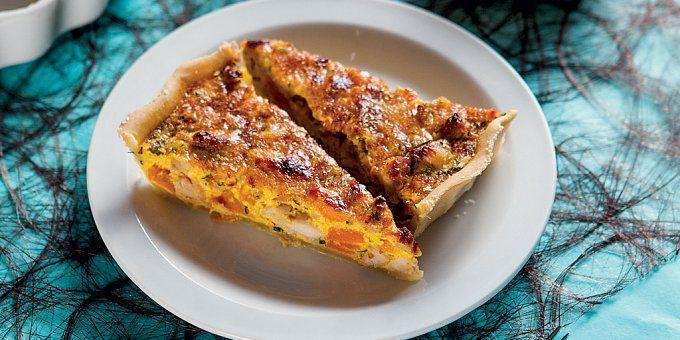 Slaný koláč nebo také quiche (čti kyš) je typické francouzské pečivo. Co se náplně týče, použít můžete v podstatě cokoli. Jako inspirace vám určitě poslouží recepty od jednoho z lektorů školy vaření Chefparade, Luboše Rychvalského.