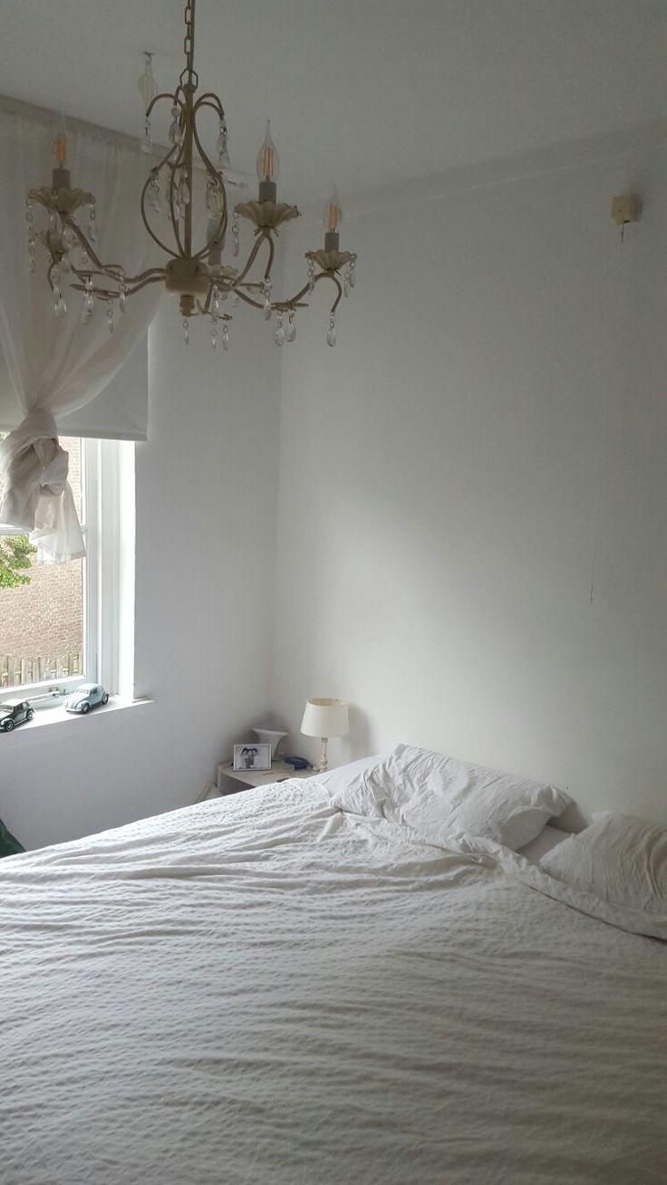 Slaapkamer #kroonluchter #wit