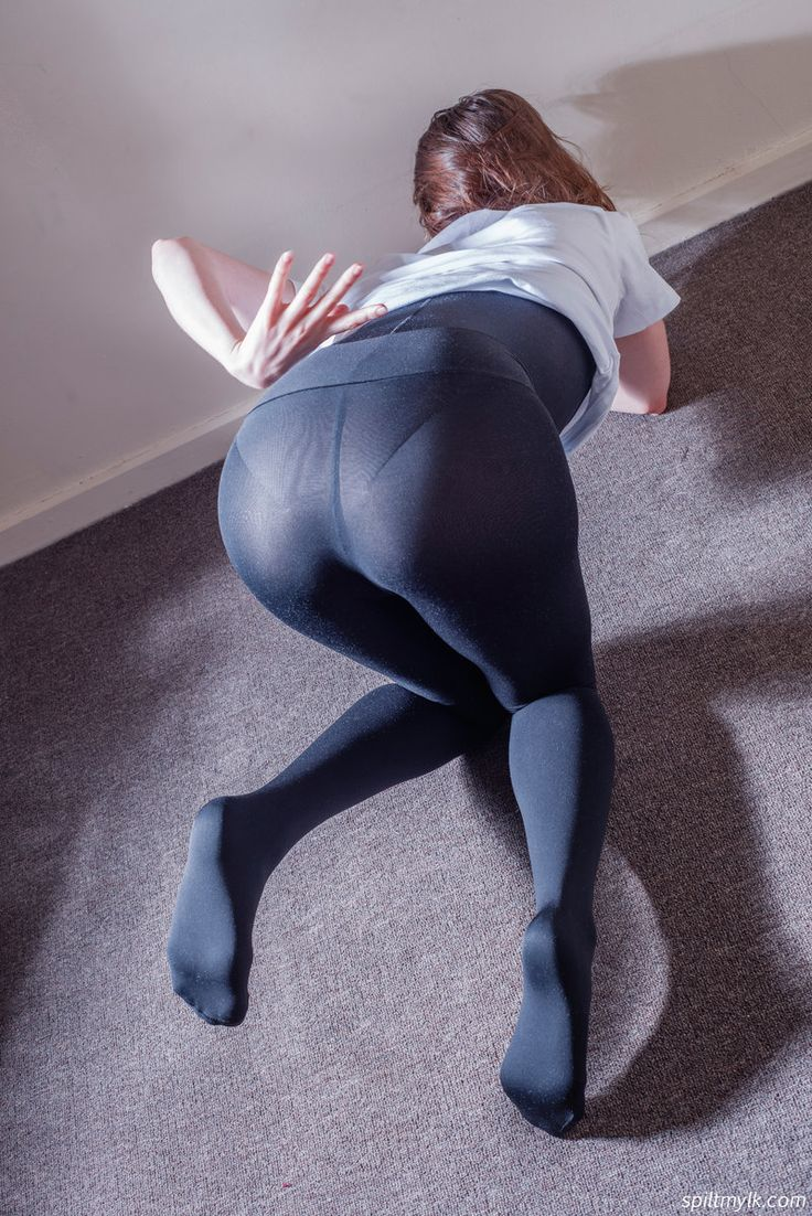 from Jonathan argentinian bootys in yoga pants