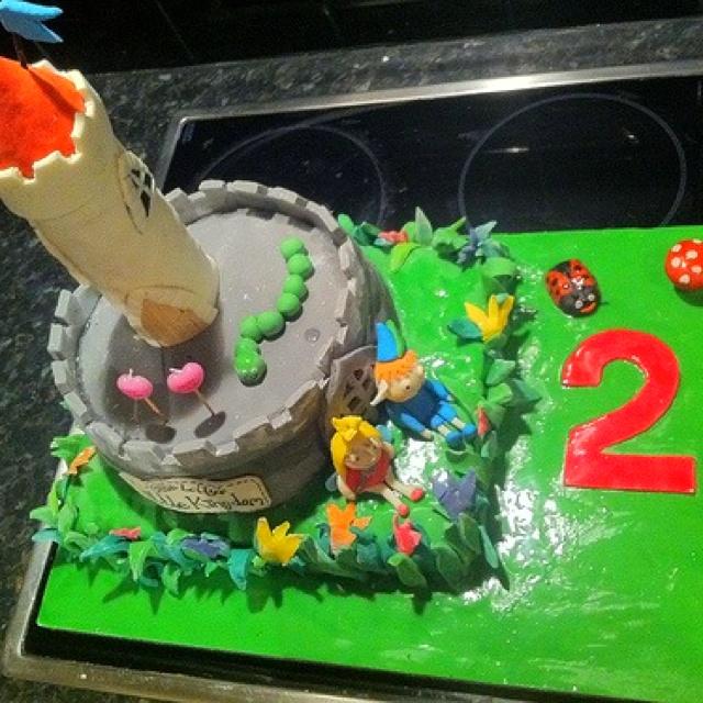 Lauren's 2nd birthday. Ben & Holly cake