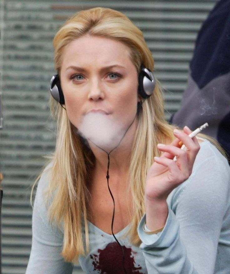 Gorgeous Actresses Who Smoke in Real Life | Entertainment